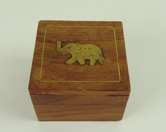 Vintage Wood Jewelry Box / Vintage Wood Trinket Box