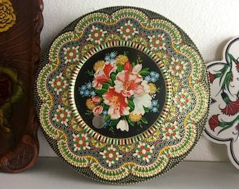 Vintage Biscuit Tin / Floral Decorative Tin / Tea Tin