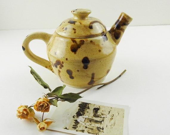 Pottery Teapot / Ceramic Teapot