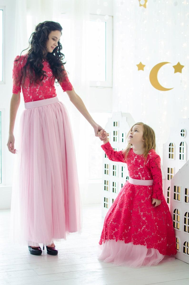 33e7d69896 Szkarłatna matka córka pasujące koronkowe sukienki Mama i ja