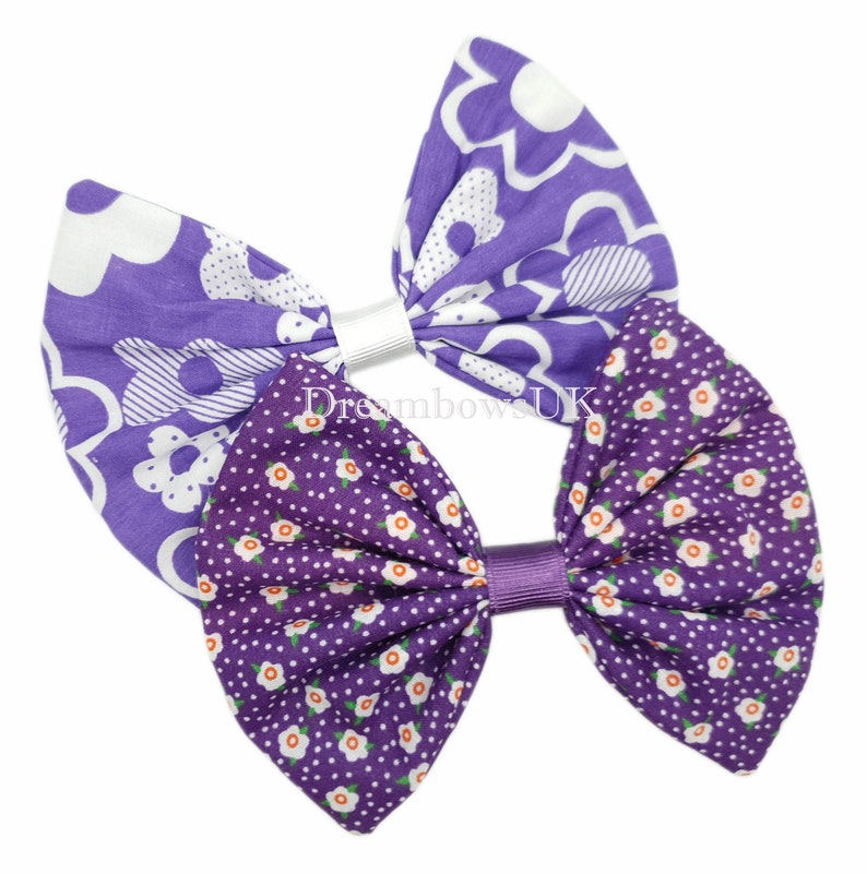 Purple and white large floral hair bow Alligator/crocodile image 0
