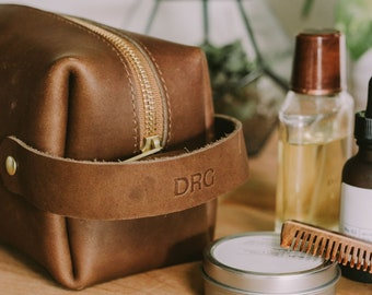 Leather Shave Kit Personalized Genuine Leather Dopp Kit Custom Dopp Kit.  Leather Travel Toiletry / Make-up Bag. Leather Travel Case.