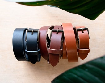 """Classic Leather Belt. Personalized Leather Belt. Custom Unisex Leather Belt. Handmade in the USA. Full Grain, Veg Tanned Leather, 1.25"""" Wide"""