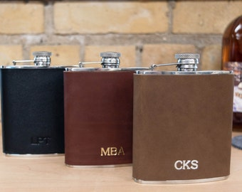 Personalized Leather Flask. Monogrammed 6oz Wrapped Flask. Leather Flask Cover. High Quality Stainless Steel Food Safe Flask Groomsman Gift