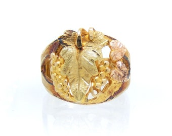 10K Tricolor Black Hills Gold Vintage Leaf Ring - X4263