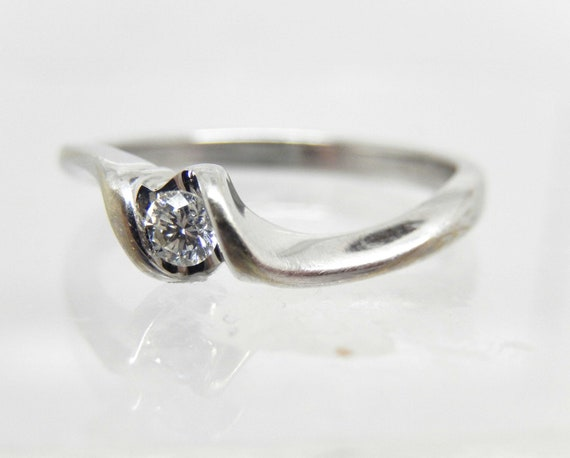 Estate 10K White Gold Diamond Solitaire Ring - X6… - image 3