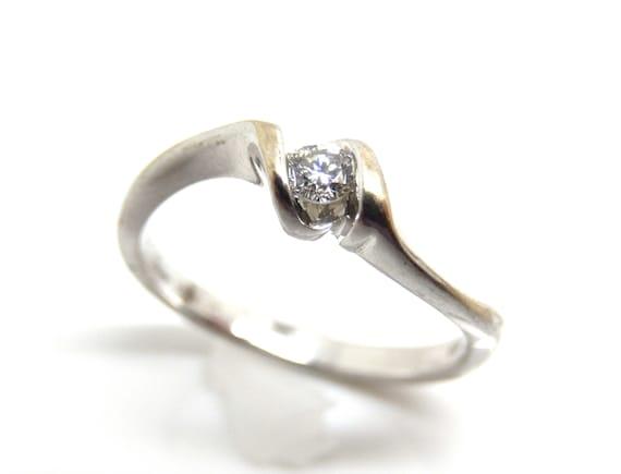 Estate 10K White Gold Diamond Solitaire Ring - X6… - image 1
