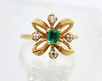14K Vintage Emerald Diamond Cocktail Ring