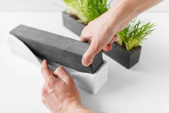 moule en silicone pour faire pot de fleur de b ton etsy. Black Bedroom Furniture Sets. Home Design Ideas