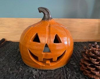 Happy pottery pumpkin