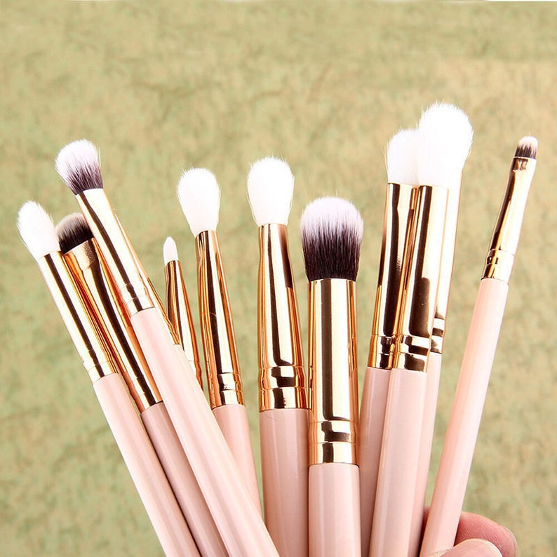 Details about  12x Pro Makeup Brushes Set Foundation Powder image 0
