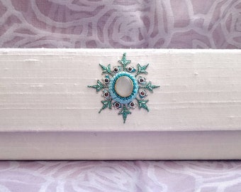 White bridal clutch with moonstone,white silk clutch with floral embroidery, wedding clutch,bridal clutch, bridesmaid clutch, zardozi clutch