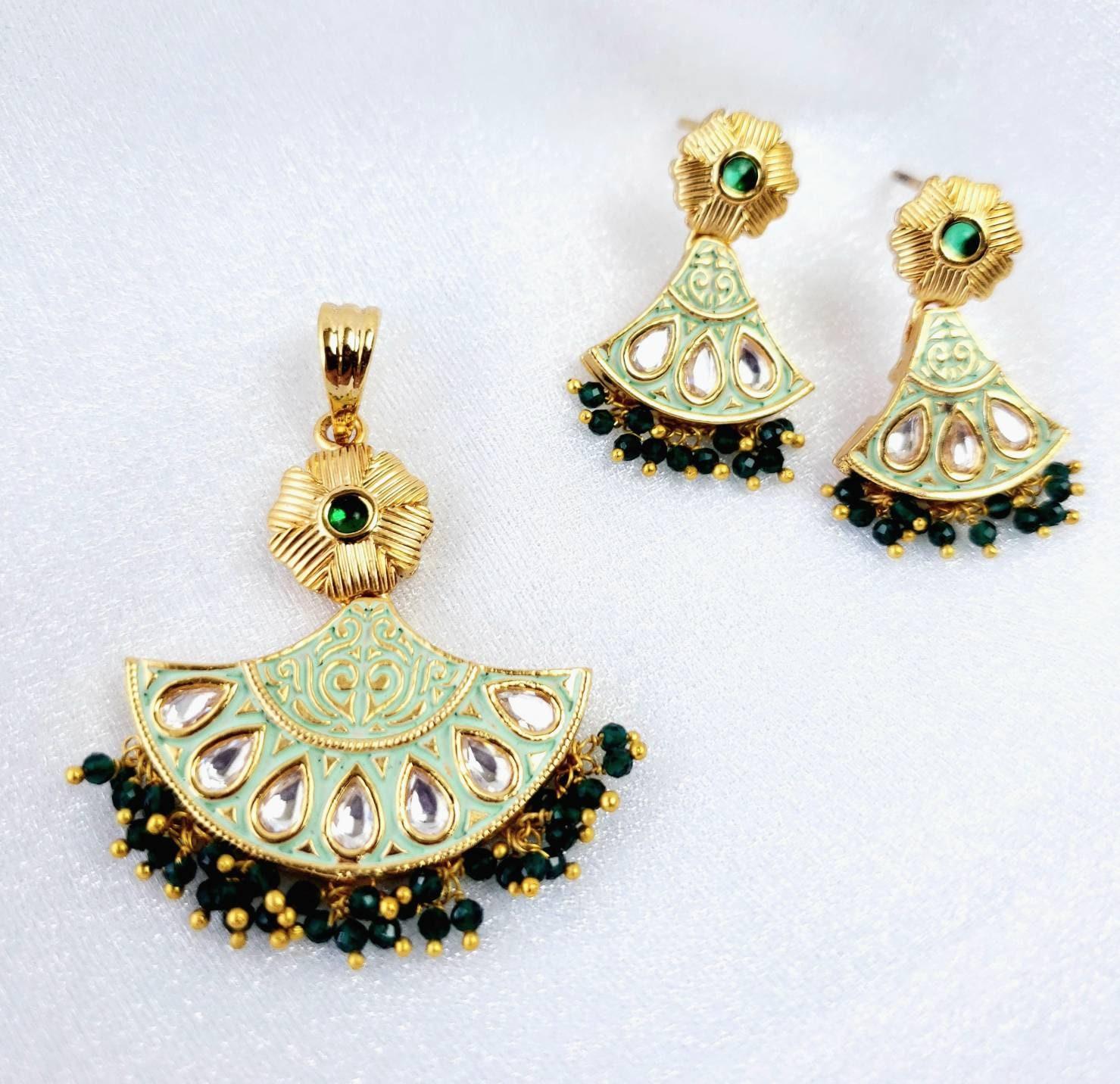 polki jewelry Indian jewelry Small goldtone kundan pendant set teardrop pendant and earrings with faux amethyst Indian pendant set