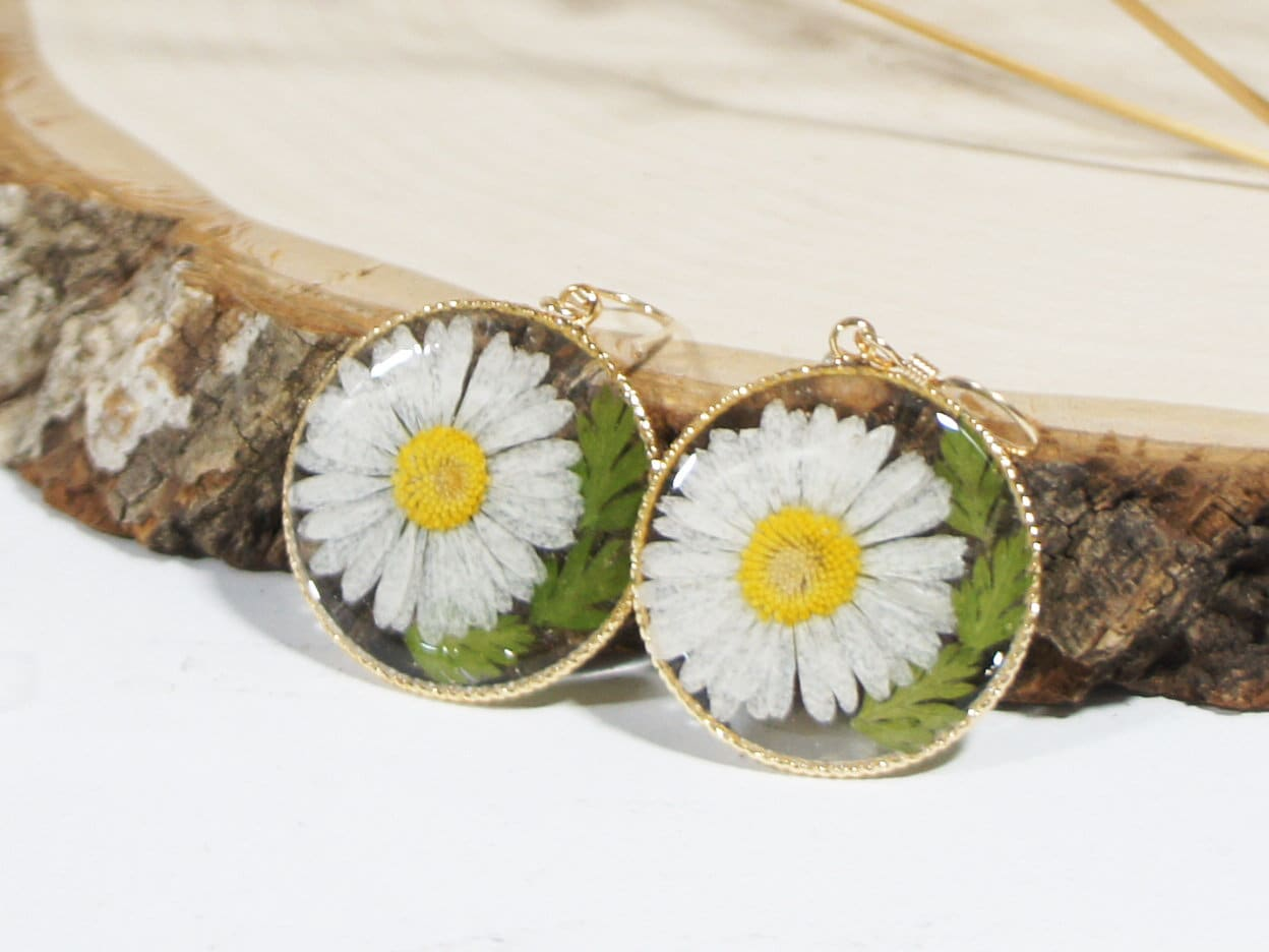 Real Pressed Whit Daisy Hammered Moon Earrings