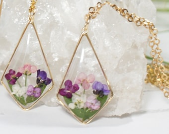 Tiny Pressed Flower Rhombus Necklace, Alyssum Resin Necklace, Terrarium Jewelry, Botanical Resin jewelry, Natural Jewelry, GOLD FILLED chain
