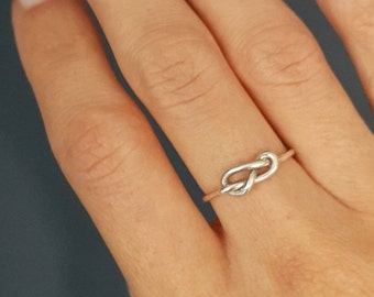 Sterling silver knot ring - Knot promise ring -  Promise ring- Sterling silver ring - Thin knot ring - Bridesmaid ring - Best friends ring