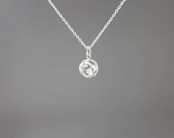 925 Sterling Silver world necklace - Sterling silver world globe pendant - World globe - World globe pendant - World necklace