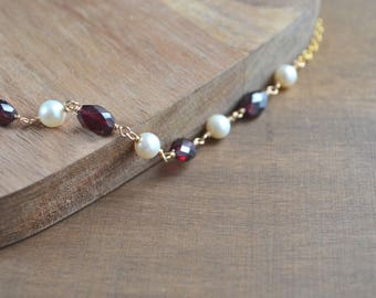 Garnet and Pearl Necklace in Gold, January Birthstone Jewelry, Gift For Mom, Gold Necklace, Red Gemstone Necklace, Collier Grenat
