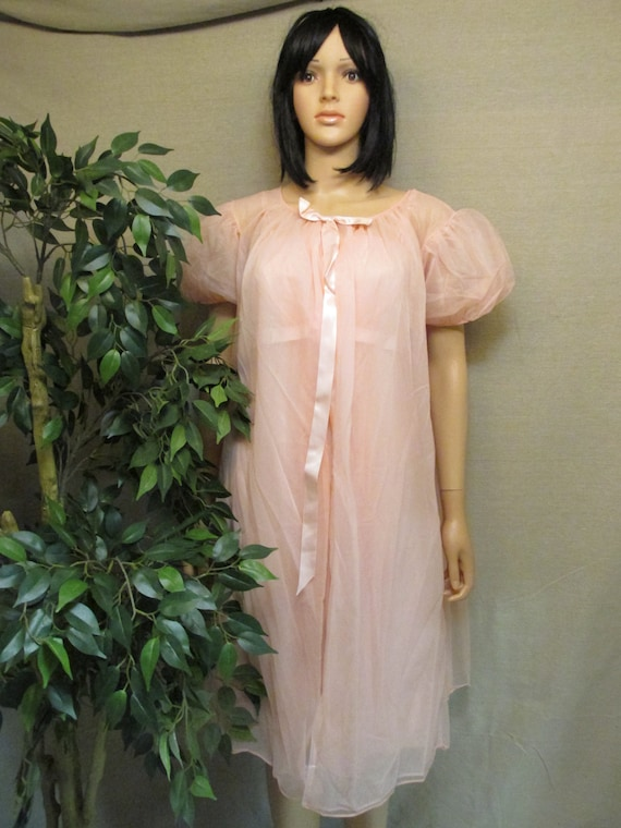 Vintage 1960's Warner's Peignoir Peach Orange Robe