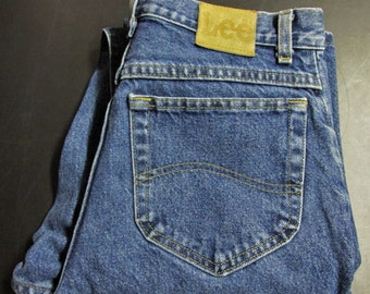 Vintage 1990's Lee Riders Medium Blue Denim Classic Fit Straight Leg Jeans Size 31 x 34 USA