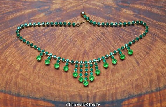 30's Emerald Green Glass and Brass Accent Necklace