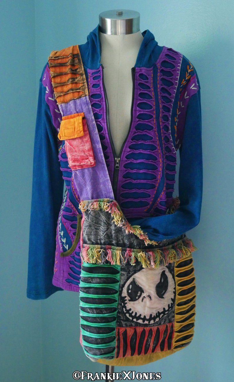 Hoodie w Botanical Embroidery