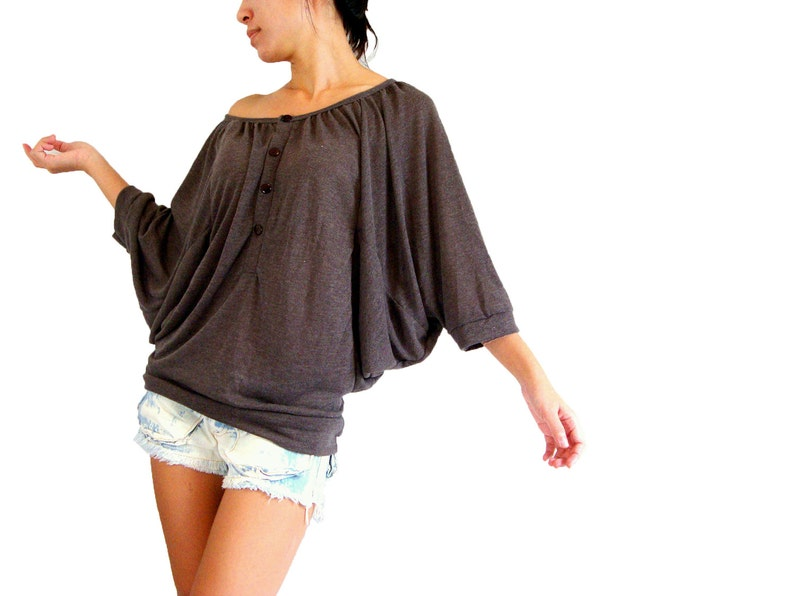 04713c733d82 Oversized tee   off shoulder batwing t shirt   dark brown tee