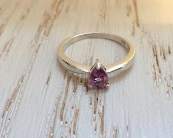 Natural Amethyst Ring Sterling Silver / Natural Lavender Colour SZ 9 Teardrop Cut Ring. Minimal Ring.