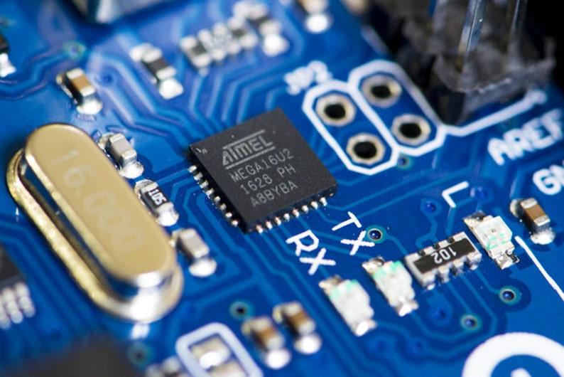 ATMEL Mega16u2 - Arduino Raspberry Pi electron macro photography