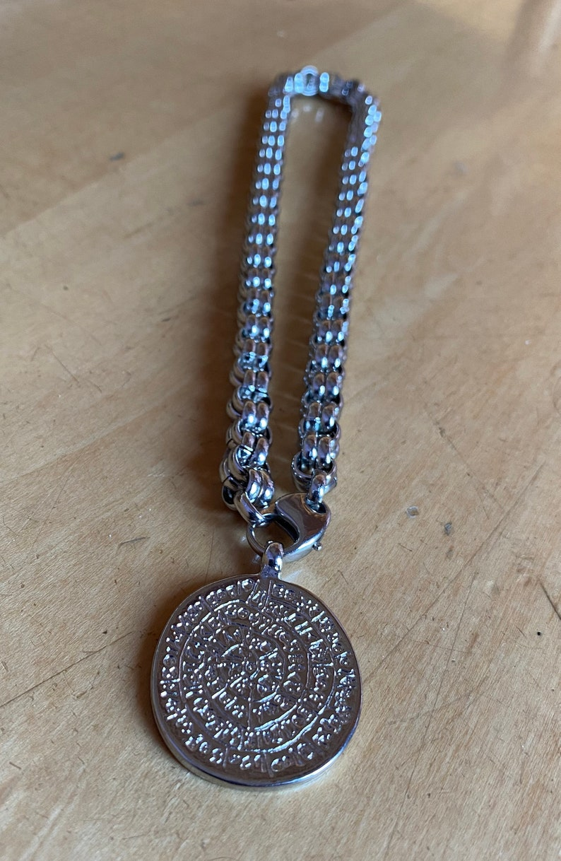 Massive necklace with pendant