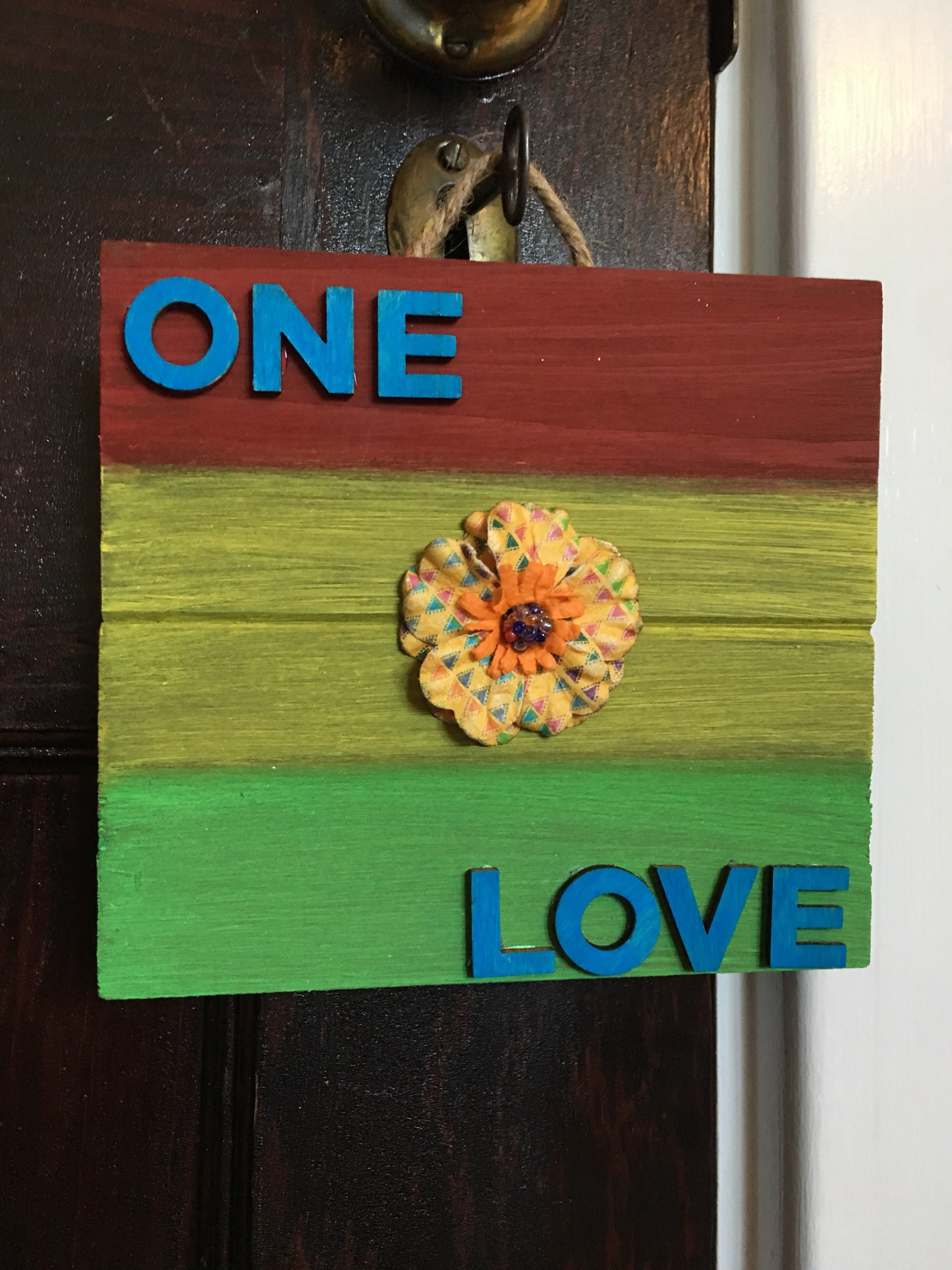 ONE LOVE SIGN one love pallet sign rasta colors home decor Jamaica ...