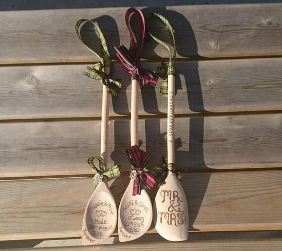 Traditionelle Hölzerne Hochzeit Löffel Persönliches Geschenk Für Die Braut Und Bräutigam Oder Accessoire Das Blumenmädchen Hand Holz Verbrannt Jede