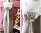 White Vintage Carole Hoch...