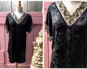 Vintage Floral Black and ...