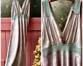 Pristine 1930s Vintage Gr...