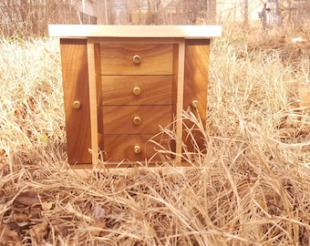 Maple Lined Walnut Jewelry Box (Blair Style)