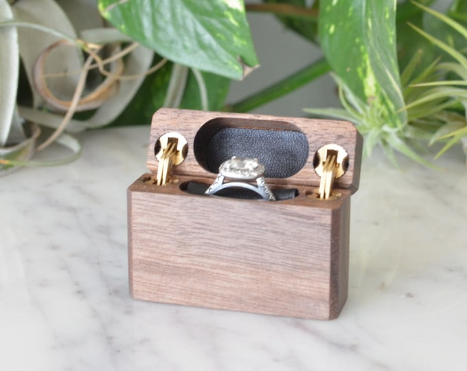 Slim Engagement Ring Box - Double-Hinged