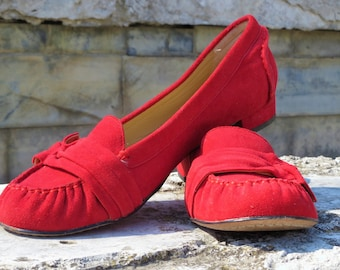 Made in Italy women shoes Italian Vintage suede shoes Suede leather Womens vintage shoes 9 US 39 EU Red real leather moccasin Christmas gift