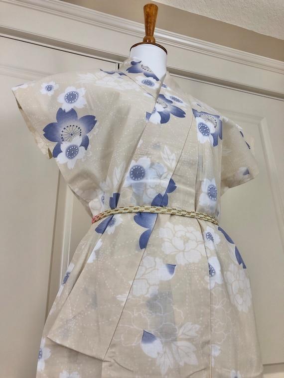 Vintage Kimono Robe - women's clothing/yukata/cott