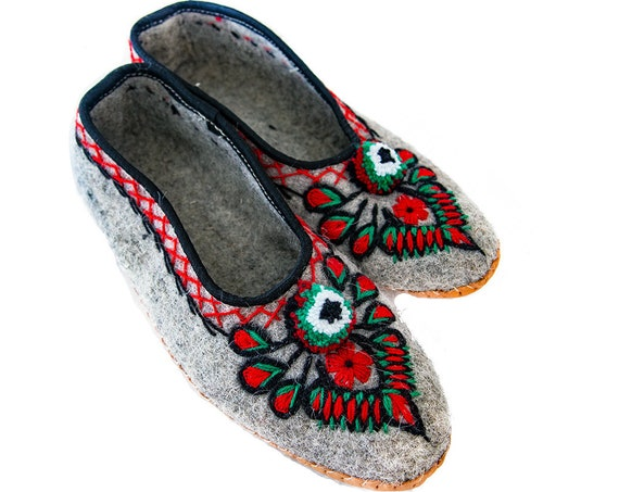 Handmade Natural Gray Felt and Real Leather Folk Slippers