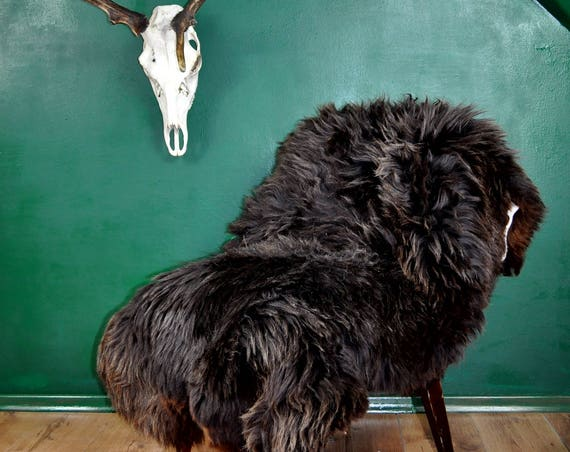 GIANT and very original sheepskin rug!!!! Very rare breed, exclusive color!!!! Perfectly soft and long hair!!! About 155cm long!!!!