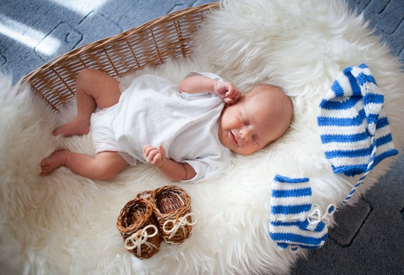 Beautiful baby blanket!!! Very soft and comfortable!!! Different sizes, 7 different colors! Safe for health!