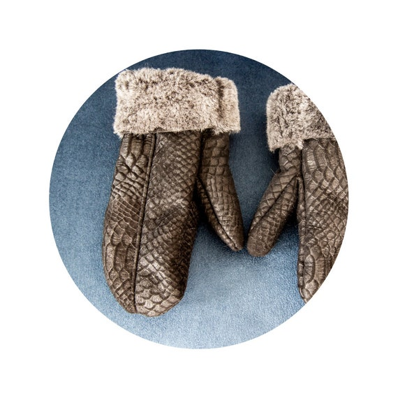 Black Real Sheepskin Unisex Mittens. Animal print.