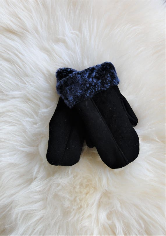Winter leather gloves. Genuine sheepskin fur. Navy blue color. Gloves and Mittens. Unisex Gloves.