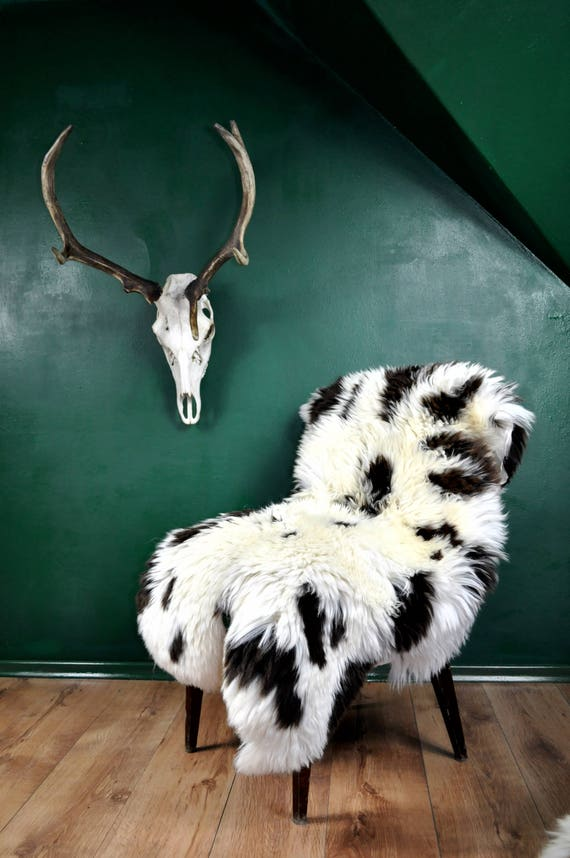 ONE OF A Kind Jacob sheepskin rug!!! Rare pattern, luxurious long and soft hair!!! About 130cm long!!!