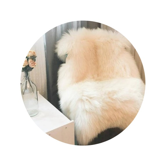 Very Big Bright Ivory Sheepskin Rug. Premium Quality! Sheepskin! About 120 cm long! . Soft and Luxurious Long Hair.