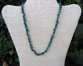 "Malachite gemstone crystal chip necklace, green stone necklace, healing stone necklace, 16"" gemstone necklace, BLG1"