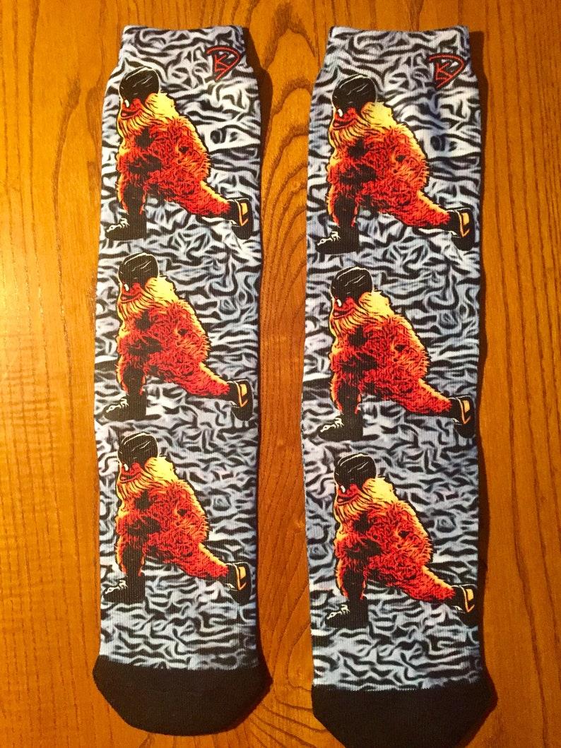 Gritty Socks Hockey Gifts Flyers Mascot Crew Socks Gritty Streaking