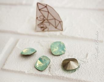 4470 Chrysolite Opal  12 mm Swarovski Fancy Stone