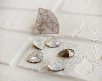 4320 White Opal 14 mm Swarovski Pear Fancy Stones